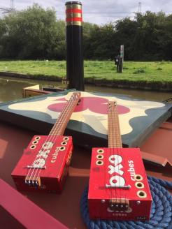 oxo ukelele on the roof